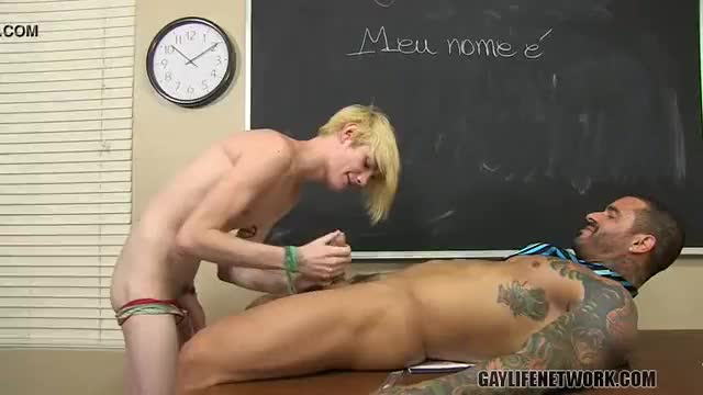 Teen guy muscular fucking and gay twink uses own cock to fuck himself